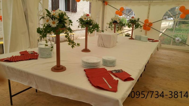 Najam-šatora-zadar-stolovi